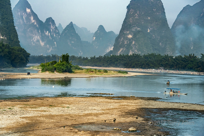 Li River and karst mountains near Xingping, Guangxi Province, China