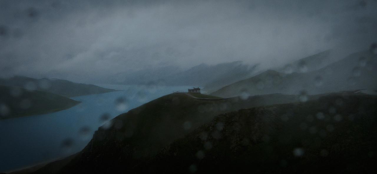 Tibet's Yamdrok Lake in the rain (羊卓雍措)