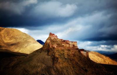 西藏江孜宗山抗英遺址