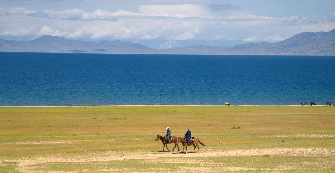 Lake Sayrim XinJiang China (63472299)