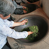 Firing Jingangshan Green Tea