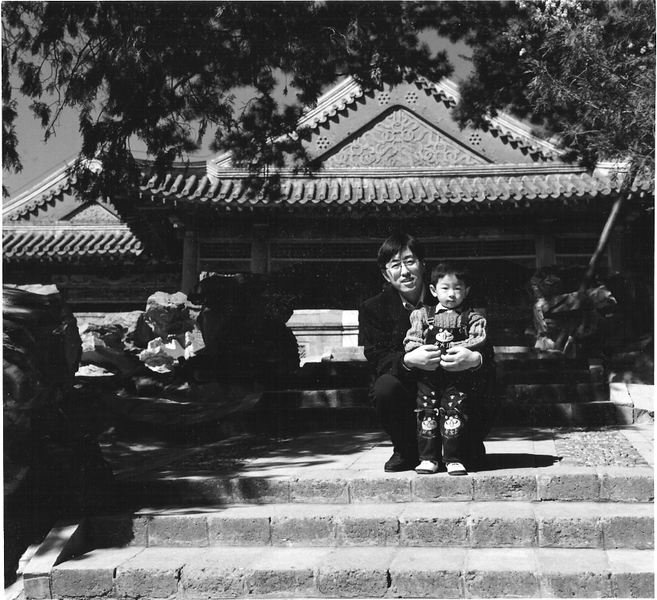Families go to the historic parks for their family pictures - their homes are just too small. It was always easy to ask for one more shot once they were posed.