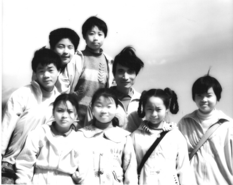 On top of Xiang Shan a teacher and his class posed for me, and I for them.