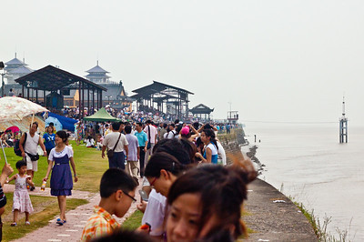 Tidal Bore viewing on the Qiantang River, Hangzhou, China