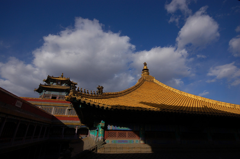 Putuozongcheng Temple: Golden rooftop
