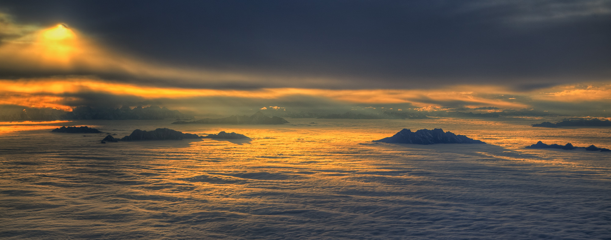 Sunset above the clouds, on plane from Chengdu to Jiuzhaigou!