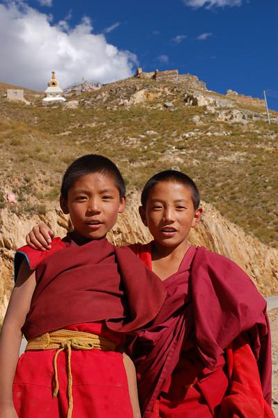 Novice monks outside the Jyekundo Dongdrubling Monastery