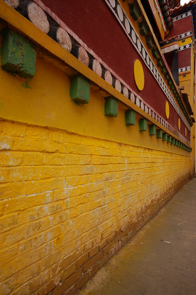 Bright colours of the Lower Wutun Monastery
