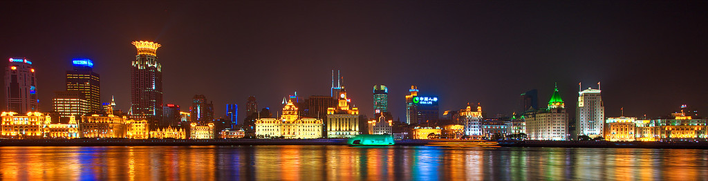The famous HuangPu River (90335507)