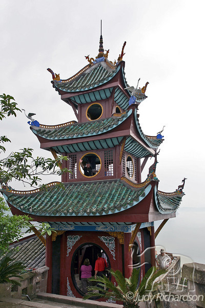Top section of the Shibaozhai Pagoda from the back side