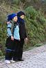 Affectionate-Hani-mother-and-daughter,-Quanfuzhuang,-Yuanyang,-Yunnan-Province,-China