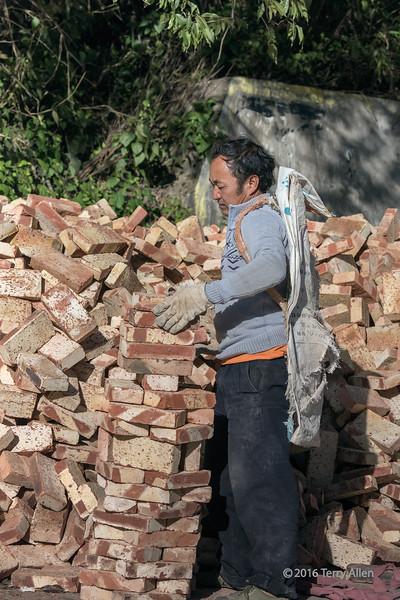 How to carry bricks