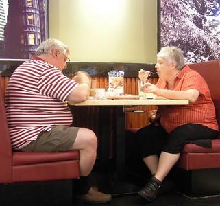 """dans un restaurant """"américain"""" ..."""