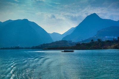 Three-Gorges-Little-three-Gorges-China-1