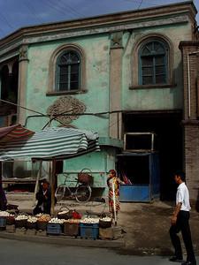 Kashgar street scene eggs DSC01774