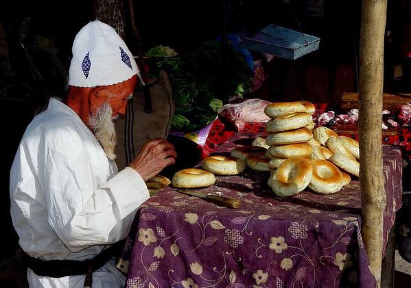 Bagels at Kashgar Bazaar DSC01834