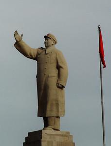 Mao statue Kashgar DSC01813