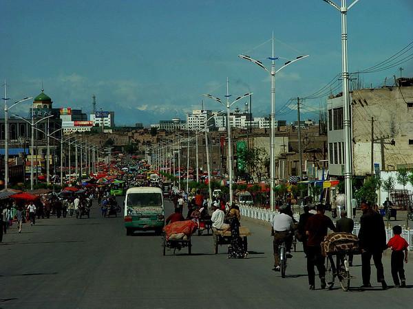 Heading to the Kashgar Bazaar DSC01915