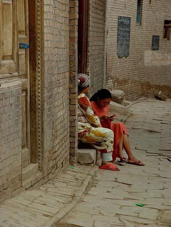 Visiting neighbors Kashgar DSC01636