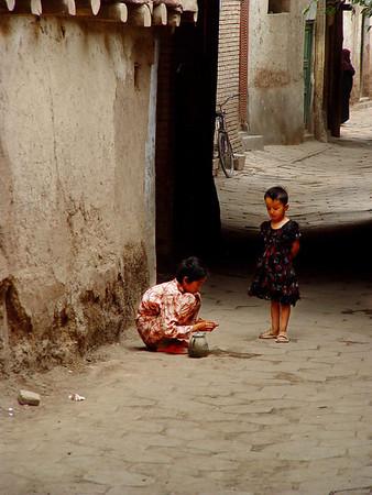 Street children Old Kashgar DSC01661