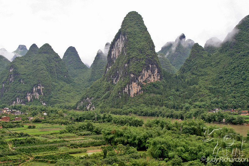Li River and valley with farming and rice fields