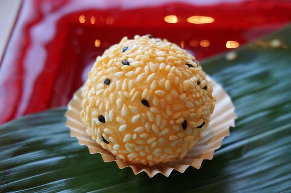 Sesame Ball (Jin deui: 煎䭔 煎堆 - 麻团 / 麻糰)