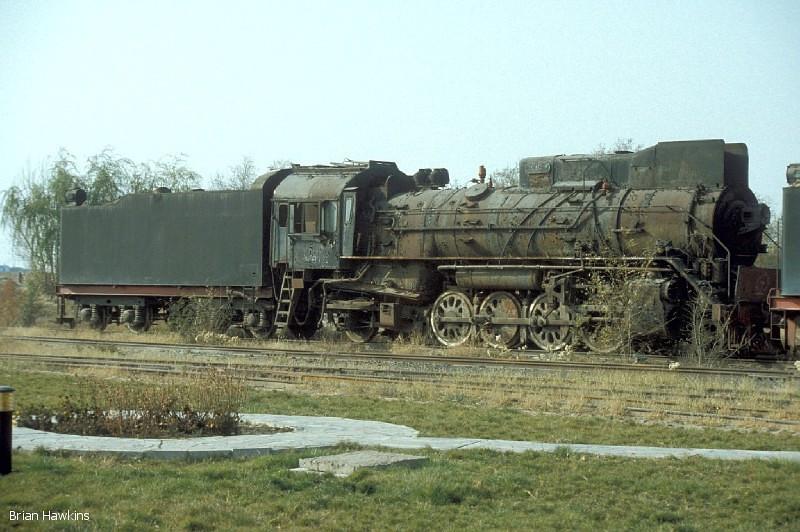 Another withdrawn JS 2-8-2 at Baotou Xi Locomotive Depot. 2nd November 2001