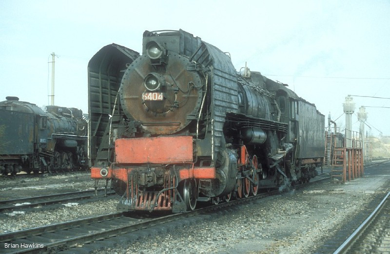 QJ 6404 Dongsheng locomotive depot. 1st November 2001