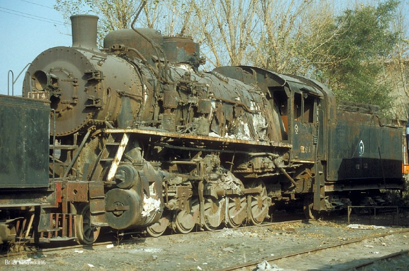 Although classified as preserved, DK 114 stands at Baotou in a neglected condition, and is obviously in need of a good deal of restoration. 2nd November 2001