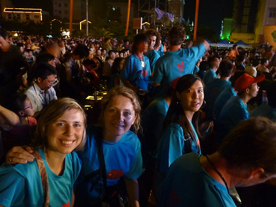 Wszyscy uczestnicy festiwalu w takich samych koszulkach