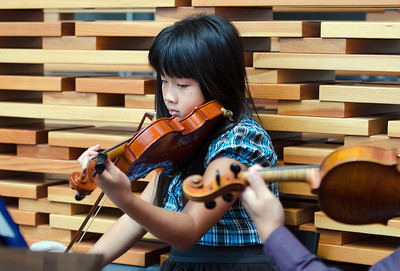 """Be Tram (Katrina), Trung's sister, yet another multi-instrumentalist (guess it runs in the family). For her, it's a question of what she """"can't"""" do or play. The list of instruments she plays is quite long: violin, piano, koto.  Did I mention she also sings beautifully?"""