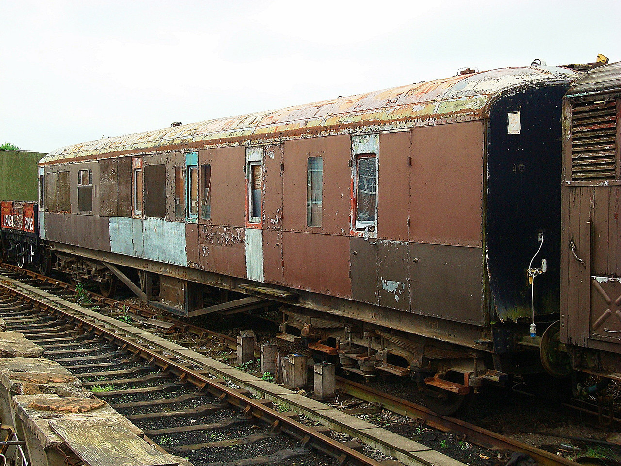 GWR 2225 Corridor Brake Third Hawksworth BTK 16,05,2008.