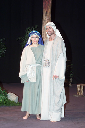 2001/04/08 - Easter Production Cast