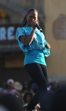 Damita Haddon demonstrates her pipes at Gospel Fest, Knotts Berry Farm 2008