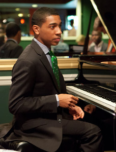 Christian Sands at Shanghai Jazz-jlb-04-27-13-1968w
