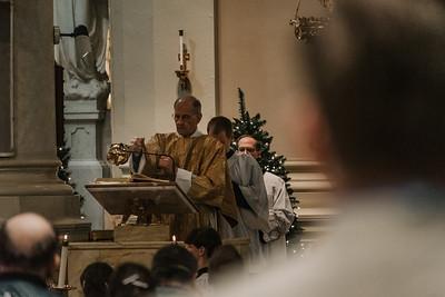 _NIK9420 Christmas St  Peters Steubs LatinMass