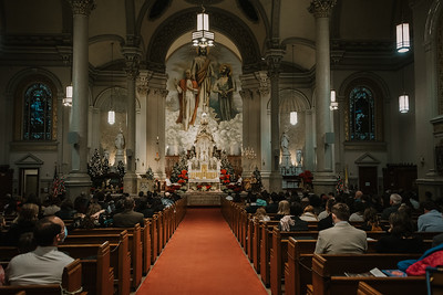_NIK9398 Christmas St  Peters Steubs LatinMass