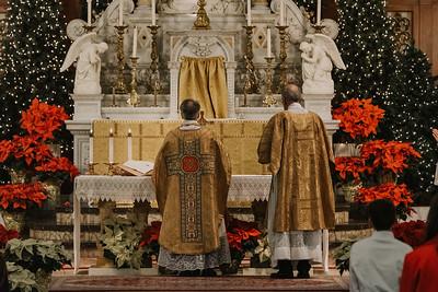 _NIK9383 Christmas St  Peters Steubs LatinMass