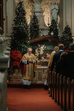_NIK9353 Christmas St  Peters Steubs LatinMass