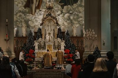 _NIK9366 Christmas St  Peters Steubs LatinMass