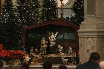 _NIK9180 Christmas St  Peters Steubs LatinMass