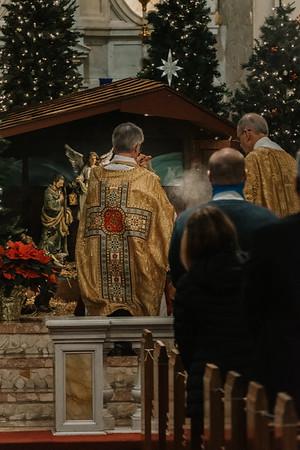 _NIK9329 Christmas St  Peters Steubs LatinMass