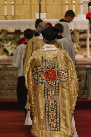 _NIK9290 Christmas St  Peters Steubs LatinMass