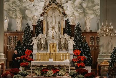_NIK9176 Christmas St  Peters Steubs LatinMass