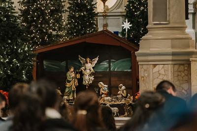 _NIK9179 Christmas St  Peters Steubs LatinMass