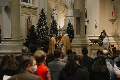_NIK9296 Christmas St  Peters Steubs LatinMass