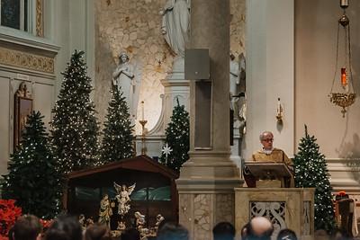 _NIK9432 Christmas St  Peters Steubs LatinMass