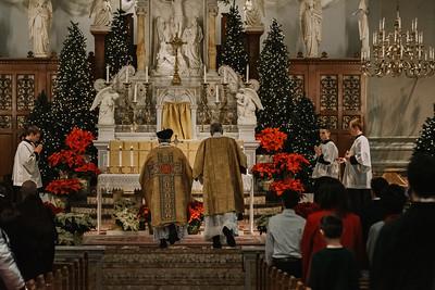 _NIK9306 Christmas St  Peters Steubs LatinMass