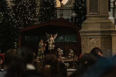 _NIK9178 Christmas St  Peters Steubs LatinMass