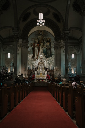 _NIK9194 Christmas St  Peters Steubs LatinMass